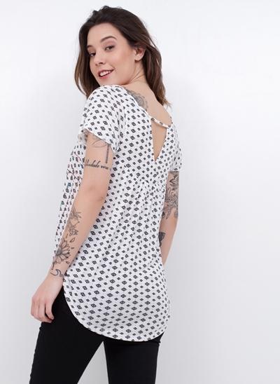 T-Shirt Étnica Alongada Costas