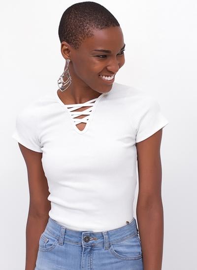 Blusa Cropped Ribana com Decote Trançado