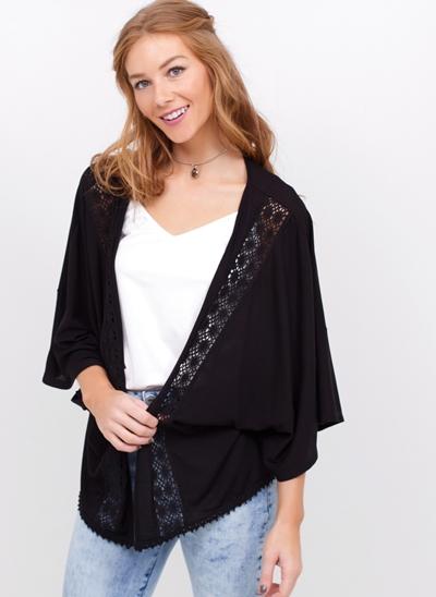 Kimono Amplo com Detalhes Renda