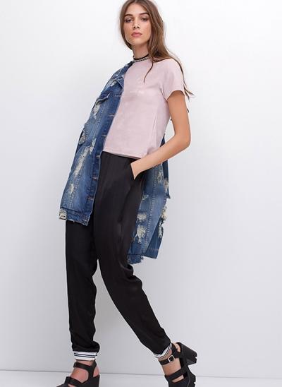 Blusa Cropped com Bordado em Veludo