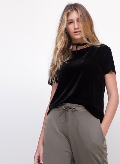 Blusa Cropped em Veludo
