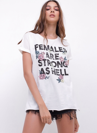 Blusa Alongada FEMALE com Bordados