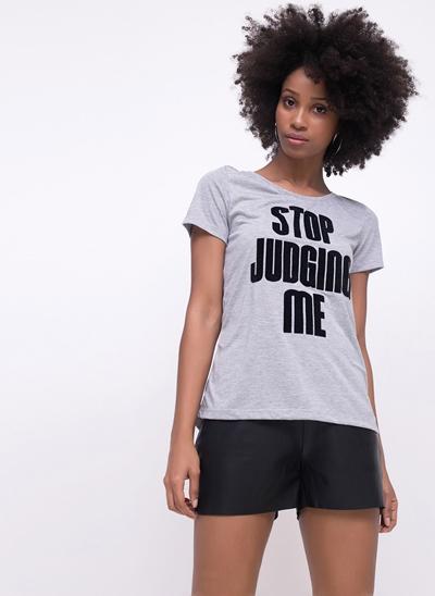 Blusa Stop Judging Me