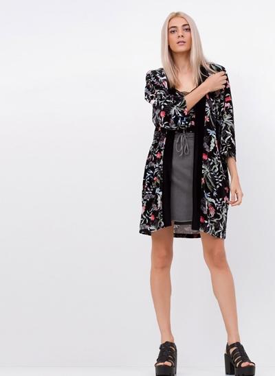 Kimono Floral em Veludo