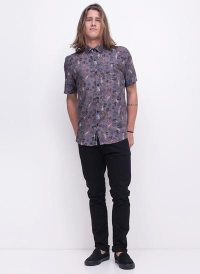 Camisa Manga Curta Caveira Floral