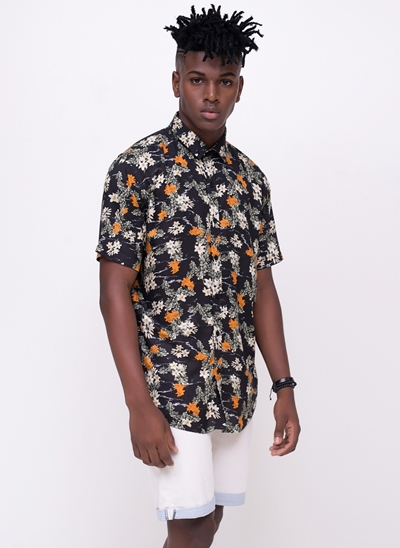 Camisa Regular Manga Curta Floral
