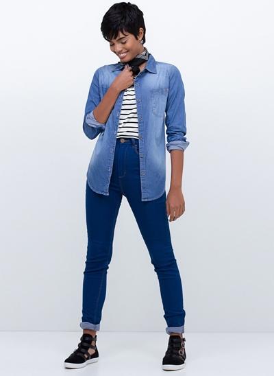 Camisa Manga Longa em Jeans Delavê Over