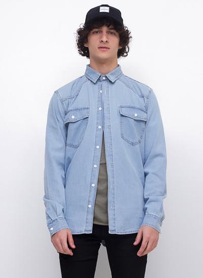 Camisa Regular em Jeans