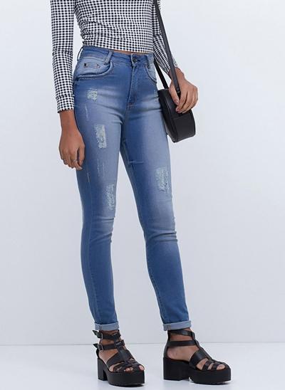 Calça Cintura Alta em Jeans Médio
