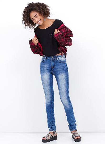 Calça Skinny Cintura Média em Jeans