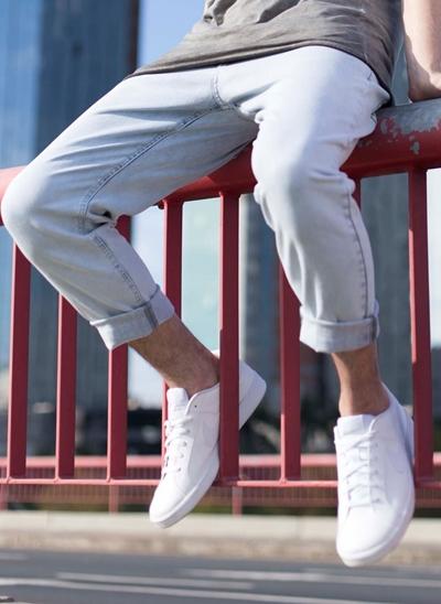 Calça Cropped em Jeans Delavê