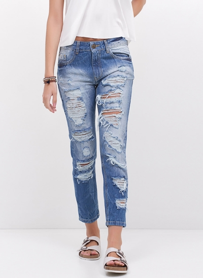Calça Relaxed Destroyed em Jeans