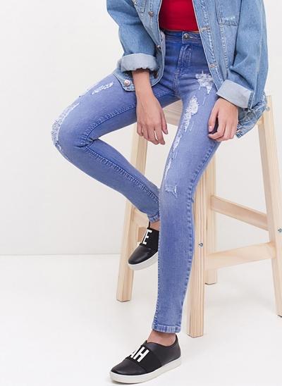 Calça Cigarrete Cintura Baixa em Jeans