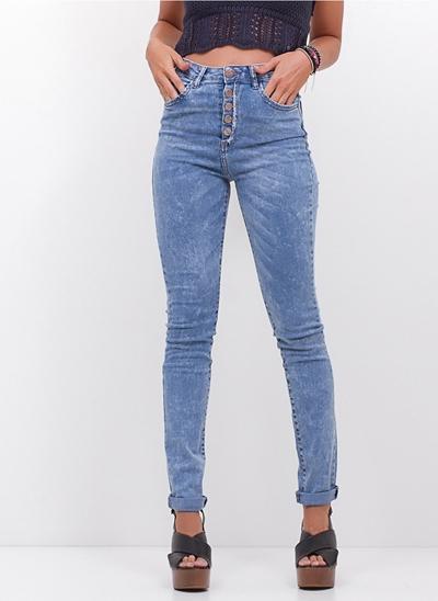 Calça Super Skinny com Botões em Jeans
