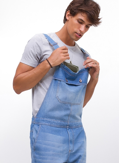 Jardineira com Bolsos em Jeans