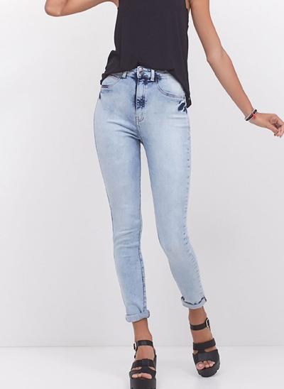 Calça Cigarrete em Jeans Marmorizado
