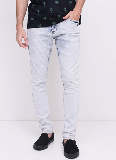 Calça Super Skinny em Jeans Delavê