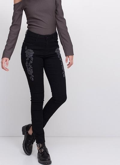 Calça Skinny Cintura Média com Bordado