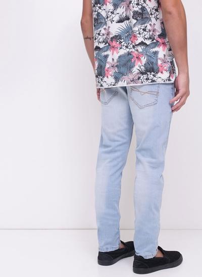 Calça Skinny em Jeans Delavê