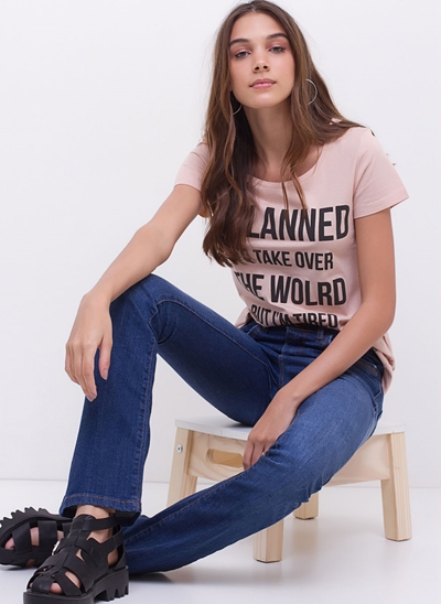 Calça Boot Cut Cintura Média em Jeans