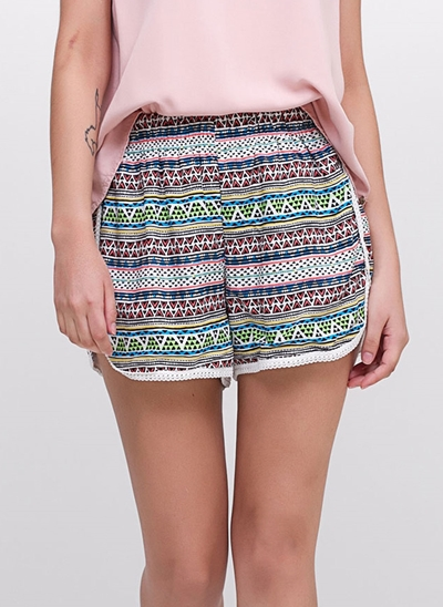 Short Viscose com Barrinha de Renda