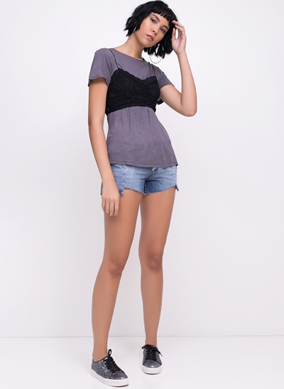 Short Jeans Barra Irregular e Bordado