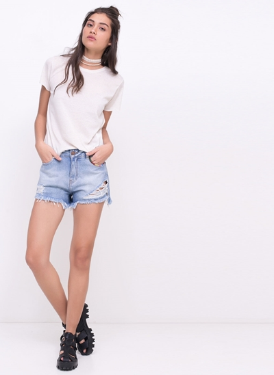 Short Hot Pants com Bordado no Bolso