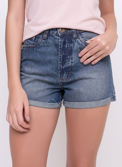 Short Regular com Barra Dobrada em Jeans