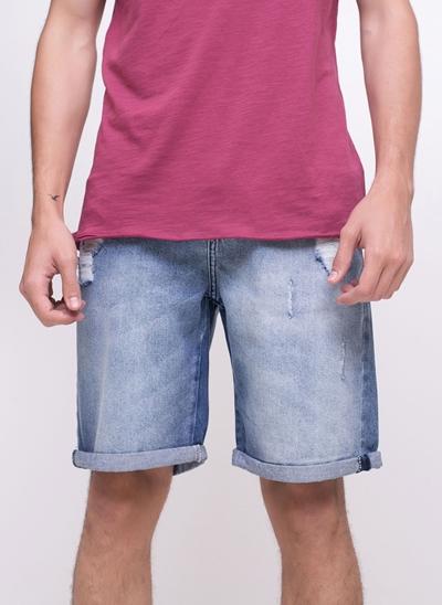 Bermuda em Jeans com Barra Dobrada