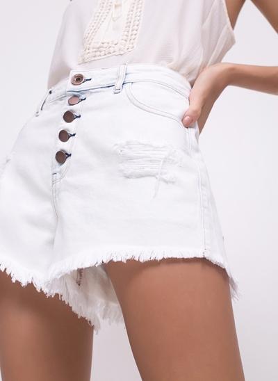 Short com Botões em Jeans Delavê