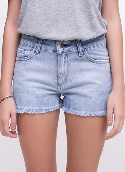Short com Barra Desfiada em Jeans