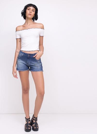Short em Jeans com Puídos