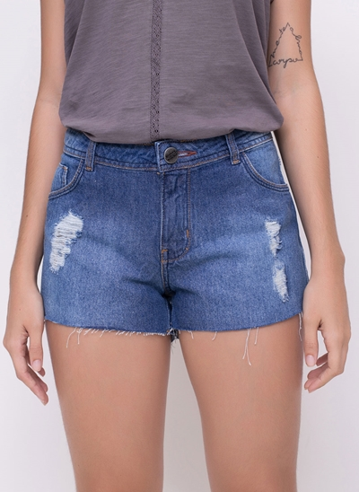 Short em Jeans com Barra Desfiada