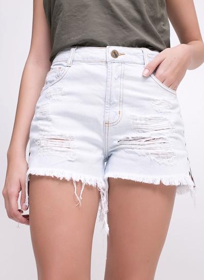 Short em Jeans com Ilhós na Lateral
