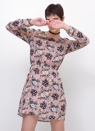 Vestido Manga Longa Floral em Viscose