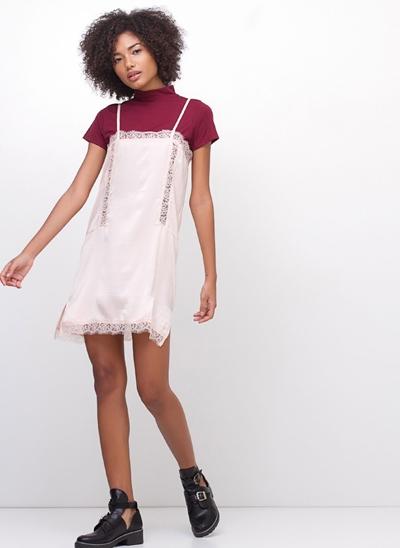 Vestido Curto Lingerie Alcinha com Renda