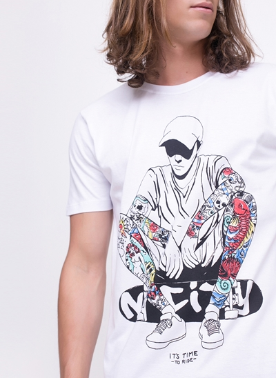 Camiseta Skatista Tattoo