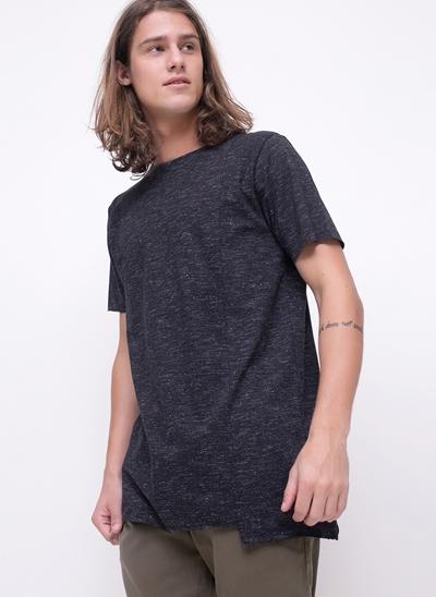 Camiseta Alongada com Recorte Vertical