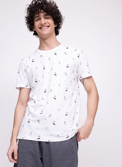 Camiseta com Ícones de Repetição
