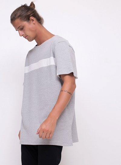 Camiseta Alongada com Listra