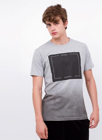 Camiseta Pensa, é Grátis