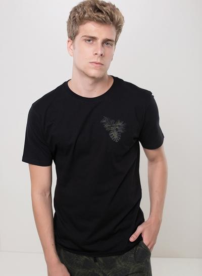 Camiseta com Bolso Folhagem
