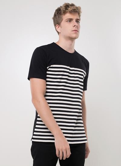 Camiseta Botonê com Listras