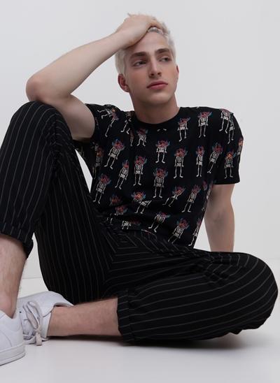 Camiseta Caveiras Florais