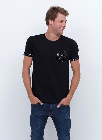 Camiseta com Bolso e Mangas Poá