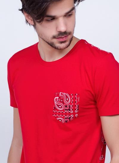 Camiseta Bandana Bolso e Costas