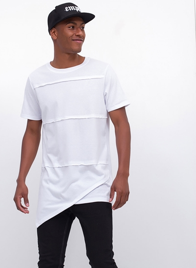 Camiseta Alongada com Recortes