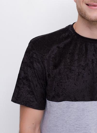 Camiseta com Recorte Veludo