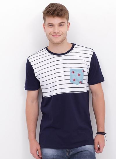 Camiseta com Bolso Floral