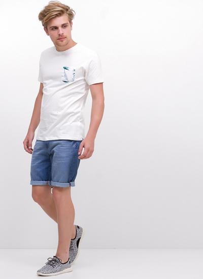 Camiseta com Bolso Floral em Botonê